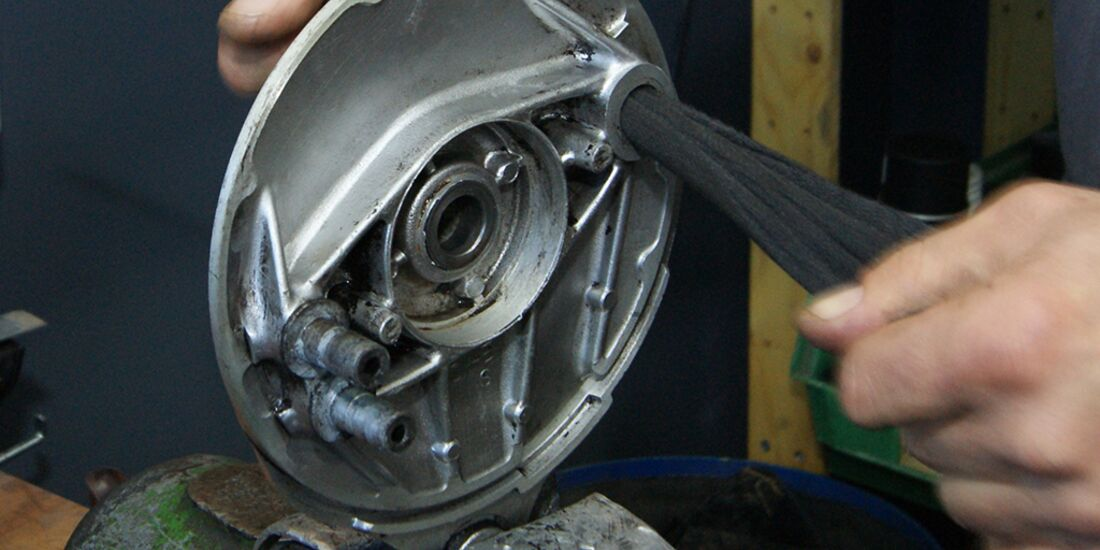 Beliebt Bevorzugt Motorradtechnik - Trommelbremsen warten, Teil 1 - MOTORRADonline.de @BJ_68